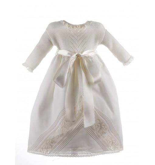 Faldon de Ceremonia con el cuerpo de algodón y la falda de organdí con encaje de Alençon