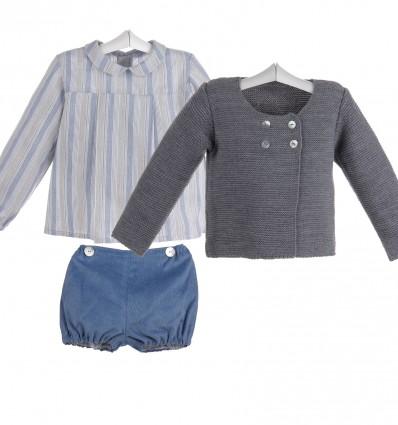 Conjunto de bebé de chaqueta gris, camisa de rayas y pantalón de pana