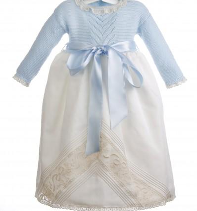 Conjunto de faldón para bebé de batista organdizada y encaje de Alençon y capota de organdí suizo