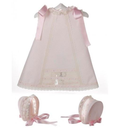 Vestido y capota de piqué para bebé con entredoses y pasacintas