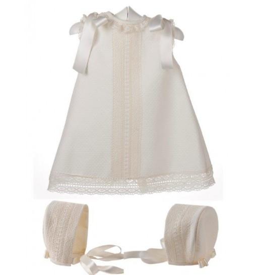 Vestido y capota de piqué para bebé de piqué con entredoses de bolillo