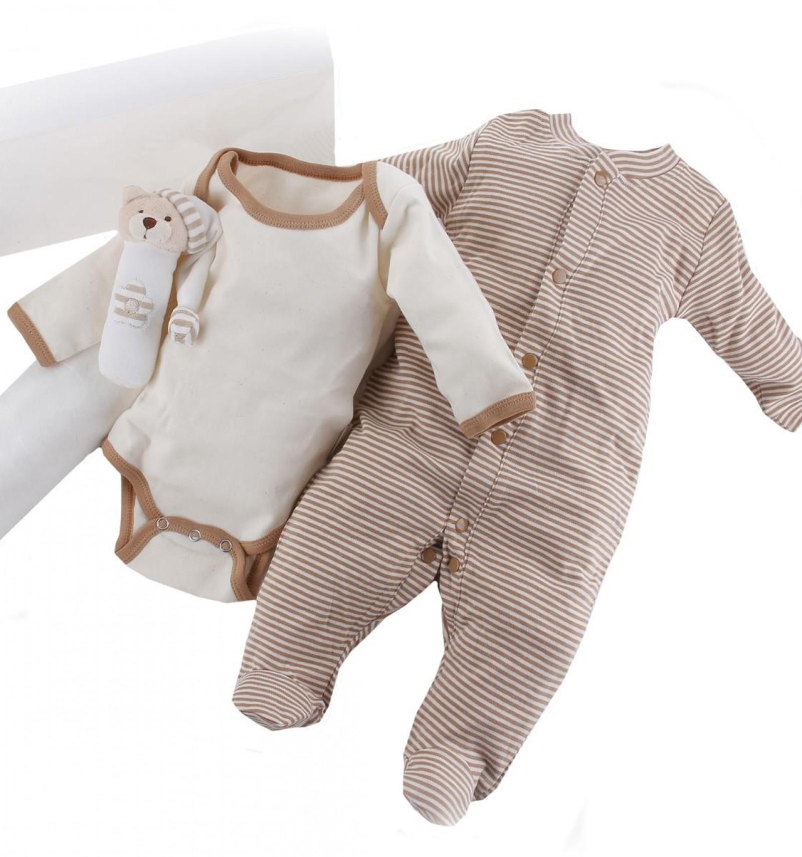 5b0b7ca8a Maletin de regalo para recién nacido y bebé con pijama y body de algodón  orgánico de