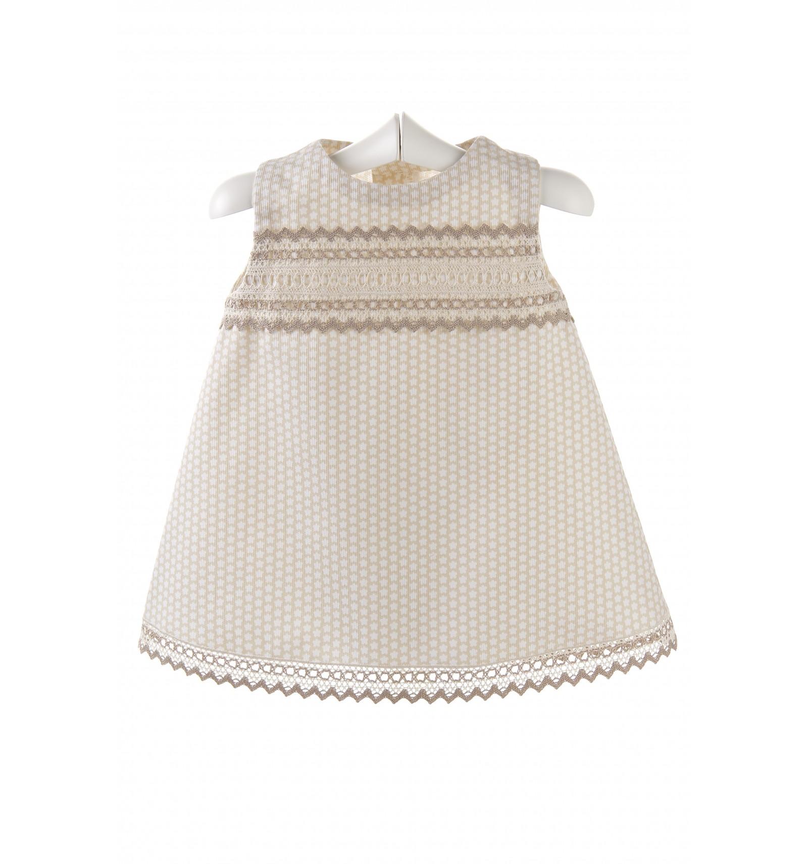 Vestido para bebé de pique con encajes de bolillo.Ropa bebe 2016 bc1c06e29ae3