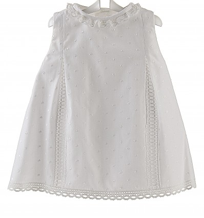 Vestido para bebé y niña de batista con bodoque bordado y bolillo