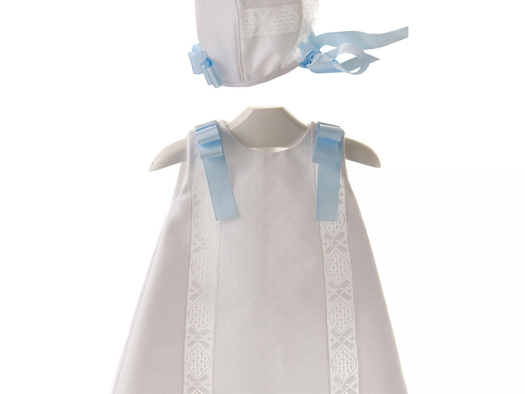 Conjunto de ceremonia y bautizo de vestido de piqué y bolillo y capota