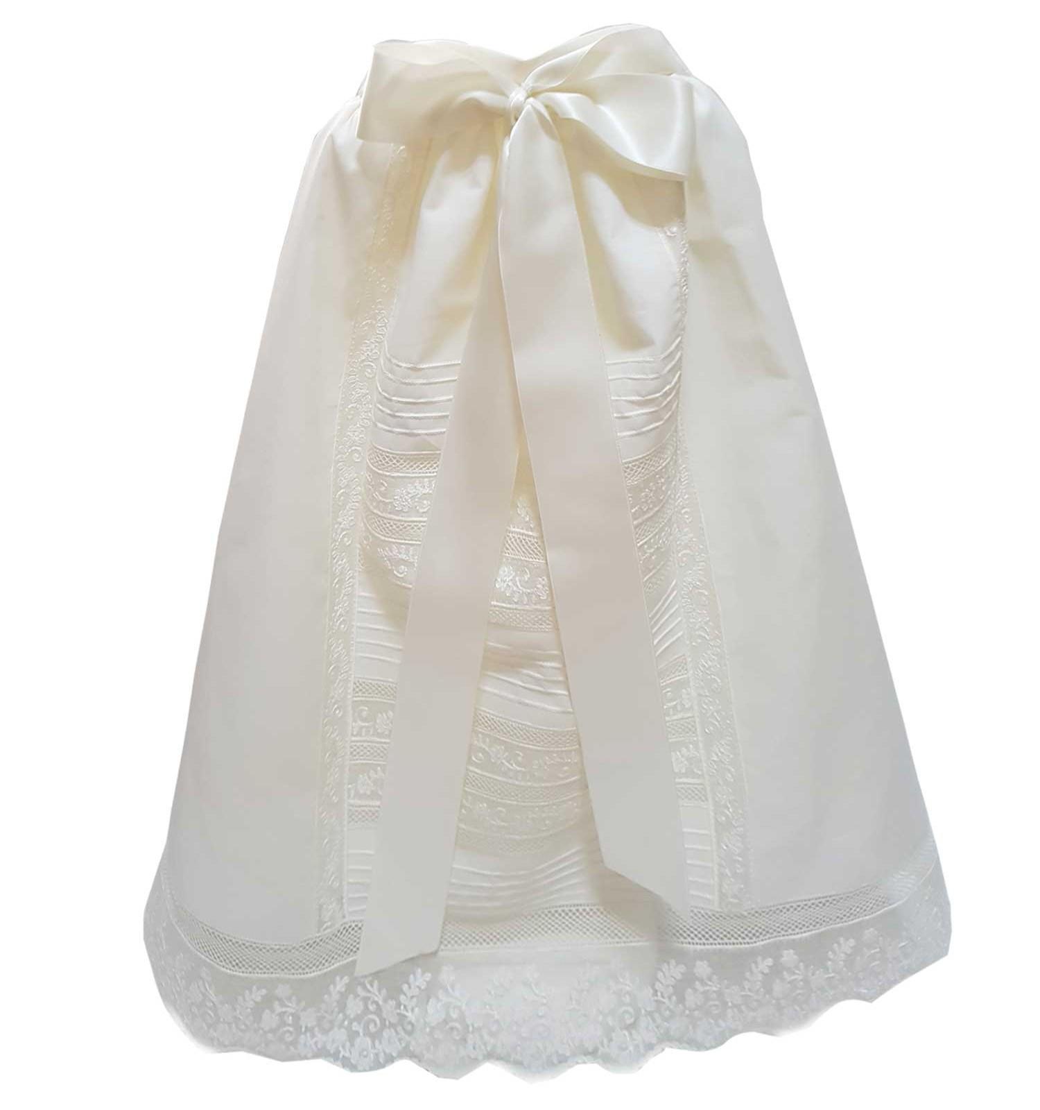 Faldón de cintura para ceremonia y bautizo con pala de jaretas y entredoses